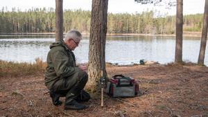 Inför premiärfisket har medlemmar från föreningen arbetat med att röja sly runt sjön i två dagar, berättar ordförande Kenneth Andersson.