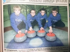 Örnsköldsviks Allehanda 18 mars 2000. Niklas Edins första curlinglag. Niklas är längst till vänster.