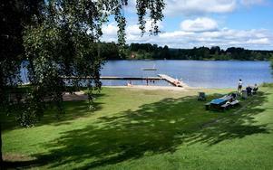 Kommunen satsar 550 000 kronor på badplatserna. Hagudden i Söderbärke får dock stå tillbaka i år.Foto: Peter Ohlsson