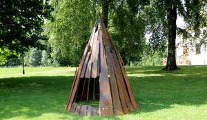 En del av Harald Sundbergs tredelade skulpturgrupp.