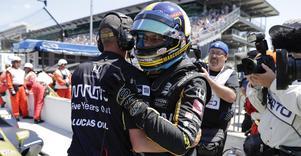 Marcus Ericsson fick äntligen kliva ur sittbrunnen får att kliva upp på pallen igen. 2013 senast, men nu på en helt annan nivå. Tvåa bakom Scott Dixon i Detroit Grand Prix del 2. En riktigt skön revansch. Bild: TT
