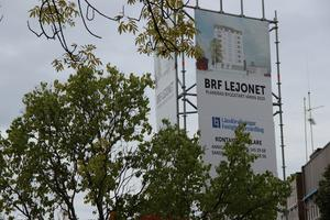 På Södra Esplanaden kommer Kvarteret Lejonet snart att påbörjas. Här är det Erlandsson Bygg AB som äger projektet och byggstart förväntas bli nu i vår. Länsförsäkringar Fastighetsförmedling säljer bostäderna.