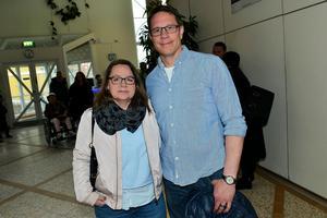 Anna och Magnus Karlberg gillar att gå på konserter. Chris Kläfford den här helgen och nästa helg  skulle de se Metallica.