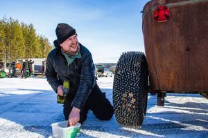 Robert Svedman från Ånge kör Hot Rods under både sommaren och vintern.