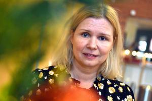 Malin Höglund (M), socialnämndens ordförande, berättade om det kommande året och de fortsatta besparingarna inom socialnämnden.