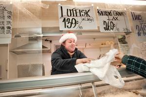 Avslutning. Agneta Koljo hade gärna fortsatt att sälja fisk på Bondtorget men chefen ville annat.