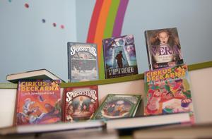 De tryckta böckerna dominerar fortfarande, bland såväl barn som vuxna.