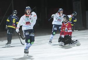 Målskytt mot Falun under förra säsongen. Men i år har Kasper Milerud fått en roll där poängen inte är den stora poängen längre.