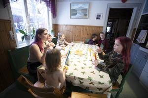 En fördel med att vara en del av en stor familj är att det alltid finns någon att vara med.