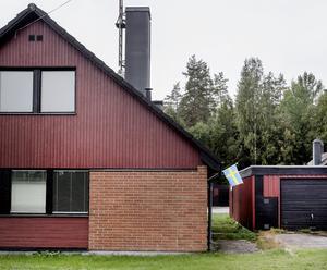 För några år sedan gick Björnhammaren mot sin undergång. I dag är villorna sålda och orten är på väg att bli ett fritidshusområde.