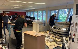 Förödelsen inne i butiken efter olyckan. Foto: Sanam Mosa