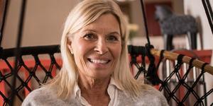Kulturprofilen Eva Sundberg börjar äntligen tillfriskna efter en helvetisk sjukdom orsakat av en antibiotikabehandling.