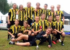 Kubikenborgs IK:s P13 tog guld under Umeå Fotbollsfestival.