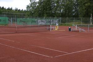 STK, med tennisanläggning i Norrsätra, har blivit utsatta för skadegörelse.