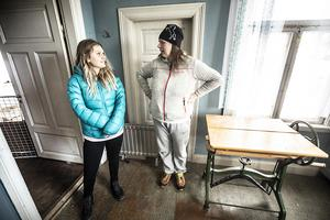 Maja Öst och Ingela Gellner, samtalar om framtiden på Svangården.