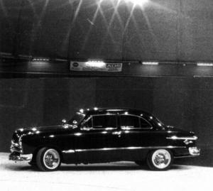 På mässan 1983 ställde Gunnar Olsson, Orsa, ut sin Ford, årsmodell -49.