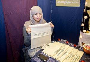 Roufayda Daouadi sålde tygväskor med olika citat på.