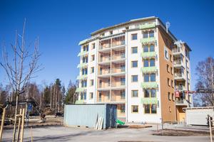 Det första huset vid Scandic, ett så kallat passivhus, med 24 lägenheter. Det stod klart redan 2014. Foto: Arkiv/Matilda Forsberg