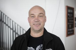 Michael Eriksson, 53, Gävle, är inbiten supporter och hade helst velat ha kvar gamla namnet.