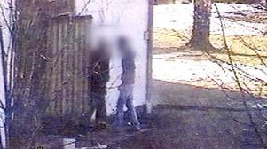 Bild från förundersökningen. Polisen hade hemlig kameraövervakning utanför mordlokalen vilket var till viss hjälp i utredningen.