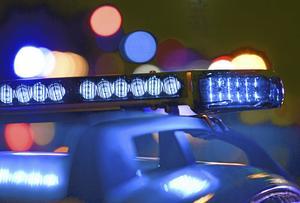 En kvinna överfölls i Skara på torsdagskvällen.