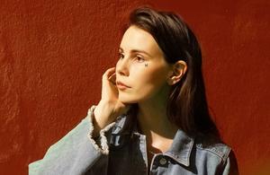 Pauline Skött, som går under artistnamnet Skott. Foto: Peter Yushichi St James
