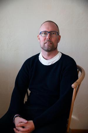 Fabian Hellberg berättar att det fortfarande finns vissa som inte vågar kontakta honom.