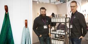 Bland Zertuszones produkter finns vägghängare för filtar eller badhanddukar. Till höger företagets ägare, Jonas Boström och Håkan Kroon.  Foto: Hanna Persson och Privat
