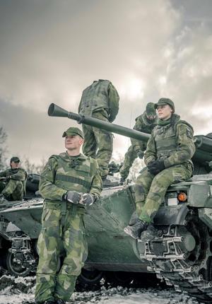 Foto: Försvarsmakten. Från början intresserade sig Evelina Lööf för att göra värnplikt som en väg in i polisyrket, men nu överväger hon också en karriär inom det militära.