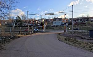 Trafikverket vill inte se köbildning på R70 när fordon ska in på Båthamnsvägen.