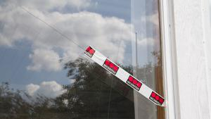 Tio fönster på skolan har slagit sönder under onsdagen den 8 augusti. Denna gång på olika delar av skolan.