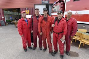 Redo för marknadsdans då branden sammanföll med Särna festvecka. På bilden ses en del av särnastyrkan med Tom Johansson, Johan Zakrisson, Fredrik Olsson, Ture Kristoffersson och Conny Mörk efter ett av många långa pass.