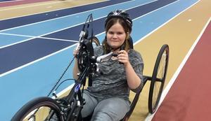 Lina Nilsson Furberg gillar sin nya sport paracykel.