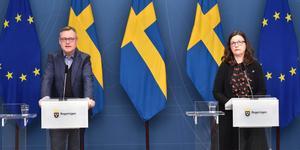 Skolverkets generaldirektör Peter Fredriksson och utbildningsminister Anna Ekström (S).