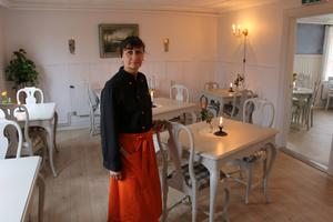 Redan som 13-åring började Veronika Kindström arbeta inom serviceyrket.
