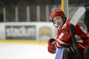 Filips Pappa, Markus Sjöberg under veteranmatchen mellan Timrå IK och Sundsvall Hockey i höstas.