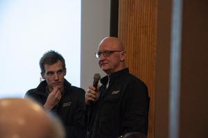 Sone Persson och Simon Viklund från länsstyrelsen var på plats i Kilafors.