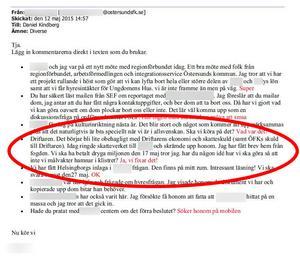 Mejl från 2015 från ett av vittnena till Daniel Kindberg. Daniel Kindberg har svarat i rött. Den röda ovalen har ÖP märkt ut. Bild från förundersökningen.