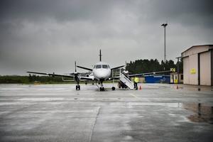 Örebro flygplats. Flera företrädare för näringslivet vill se reguljär flygtrafik från Örebro så att vi kommer närmare världen. Arkivfoto: Aline Lessner
