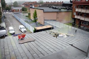 På baksidan kommer en terrass att byggas.