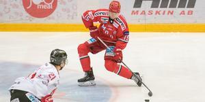 Adam Tambellini stängs av i tre matcher för tackling på AIK:s Henrik Rommel. Bild: Jon Häggqvist