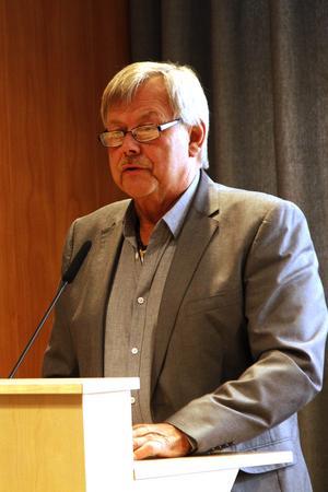 Trafikverket har skypat med kommunledningen, berättade Sören Görgård (C) – något flera ledamöter sade sig inte ha hört ett ord om.