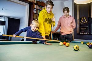Ett helt nytt liv väntar för bröderna Banér. Från vänster: Wictor, 7 år, Wilmer, 15 år och Wilgot, 14 år.