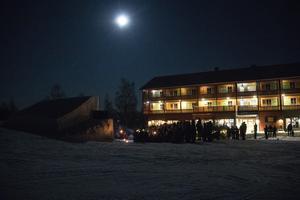 Månen och stjärnorna tittade fram under visningen.