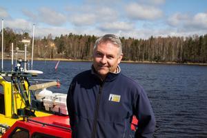 Henrik Olsson, Hamn- och skärgårdsförvaltare på Skärgårdsenheten i Söderhamn, konstaterar att antalet skarvar ökar för varje år.
