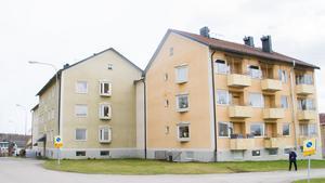 Kommunen vill kolla upp möjligheten till en eventuell försäljning av Klockarbergsvägen 8. Det återstår dock en del innan en sådan försäljning skulle kunna bli av.