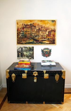 Resekofferten är ett av alla auktionsfynd som hämtades i Göteborg.