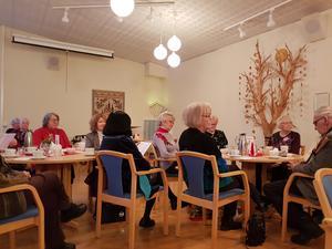Väntjänstare och gäster. Foto: Maily Eriksson