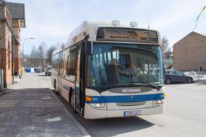 Solen sken för bussresenärerna som tog chansen att åka kollektivt gratis på tisdagen.