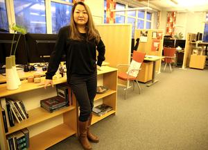Antalet inflyttade från andra länder ökar, inte minst från Holland.Människor, som byggt fritidshus i Orsa Grönklitt väljer att flytta dit permanent och det är inte ett fåtal. Det är en trend, berättar Celia Yoshida - Ahlin.